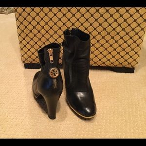 Tory Burch black leather Melrose boots size 7
